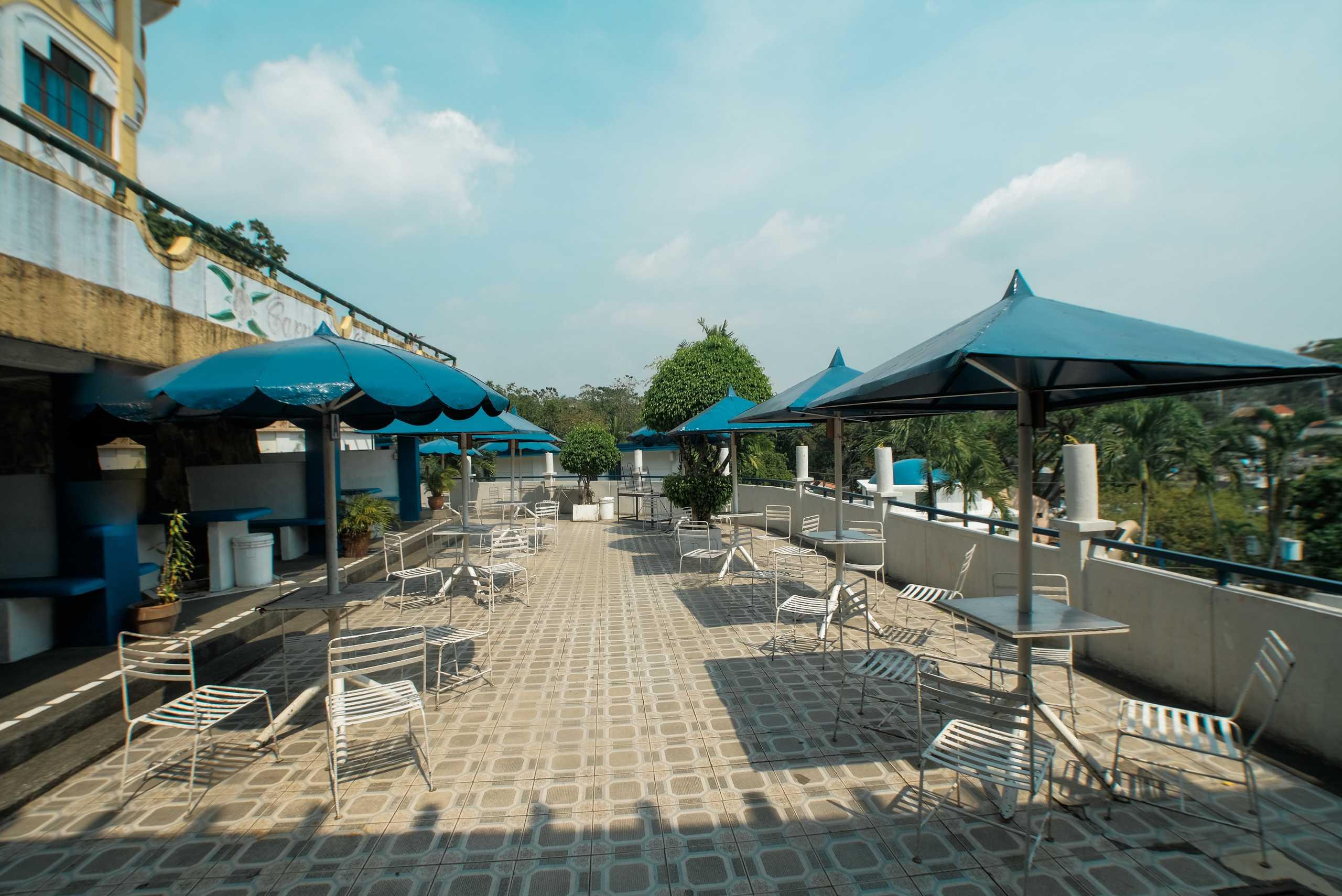 Diana Table Umbrellas